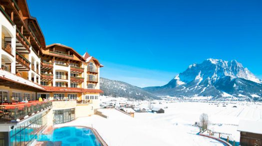 Wintersport op tweelandengletsjer